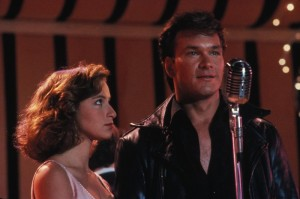patrick-swayze-johnny-castle-e-jennifer-grey-baby-in-una-scena-del-film-dirty-dancing-126258